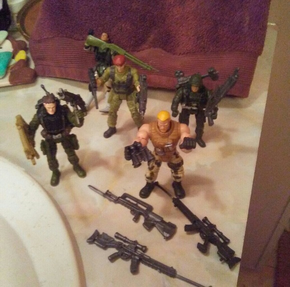 Movable soldiers with weapons